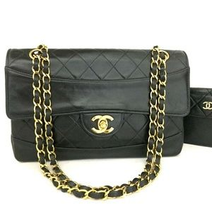 Auth CHANEL Quilted Matelasse CC Logo